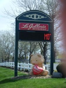 La Galleria Mothers Day